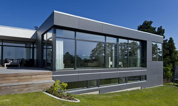 Le lastre EQUITONE sono ideali per rivestire edifici di grandi dimensioni