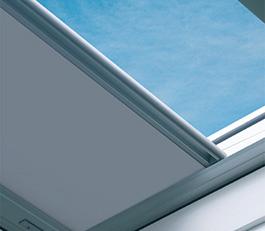 Finestra calpestabile per tetti piatti DXW FAKRO