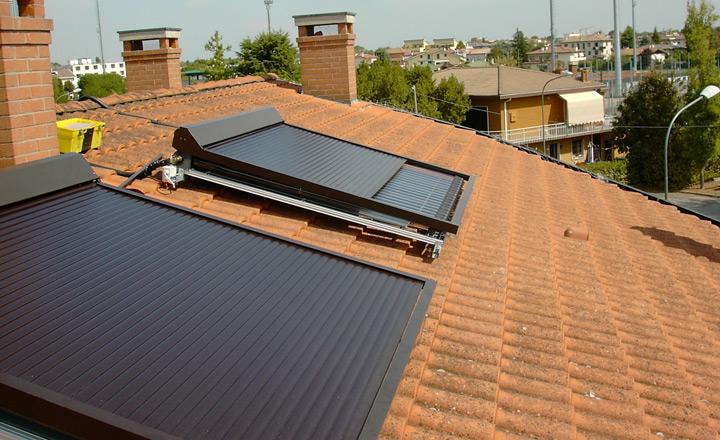Protezione per collettori solari, resistente e adattabile 3